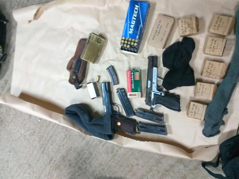 חברי כנופיה שנהגו לפרוץ לדירות נעצרו,  בדירתו של אחד מהם נמצאה מעבדה ליצור מפתחות וכלי נשק