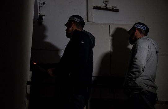 הותר לפרסום: 17 סוחרי סמים ועברייני רכוש ממרכז הארץ נעצרו הבוקר בעקבות הפעלתו של סוכן משטרתי