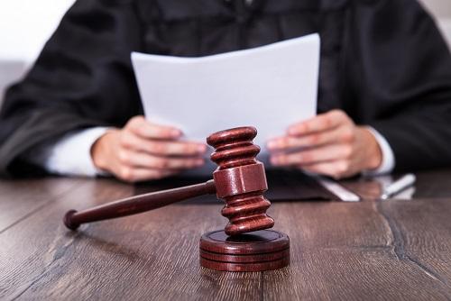 בית המשפט מתייחס להיות הנאשם יוצא אתיופיה ומורה על ביטול הרשעתו